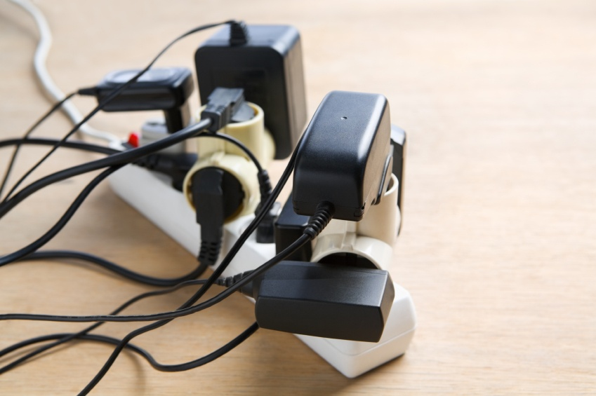 Cluttered-cords-on-surge-protector.jpg