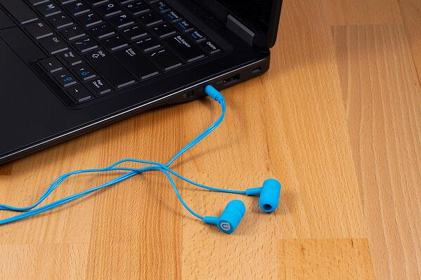 Use Uber High Performance Headphones at Your Desk for Extra Motivation at Work