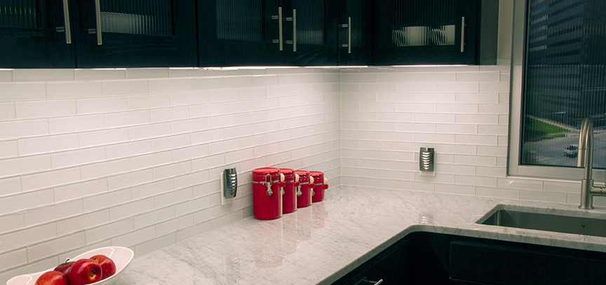 Install LED under cabinet kitchen lighting in your home
