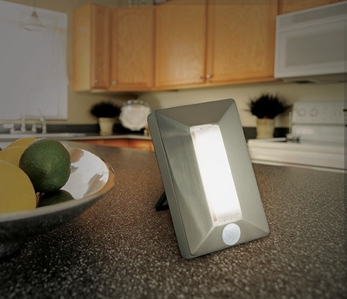 Portable_motion_sensing_light_on_kitchen_counter-963308-edited.jpg