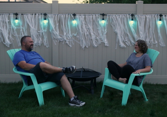 easy-outdoor-entertaining-with-cafe-lights