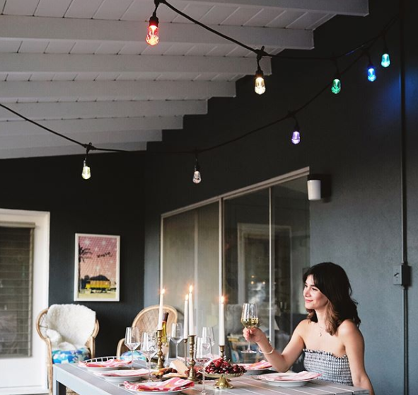 outdoor-entertaining-cafe-lights