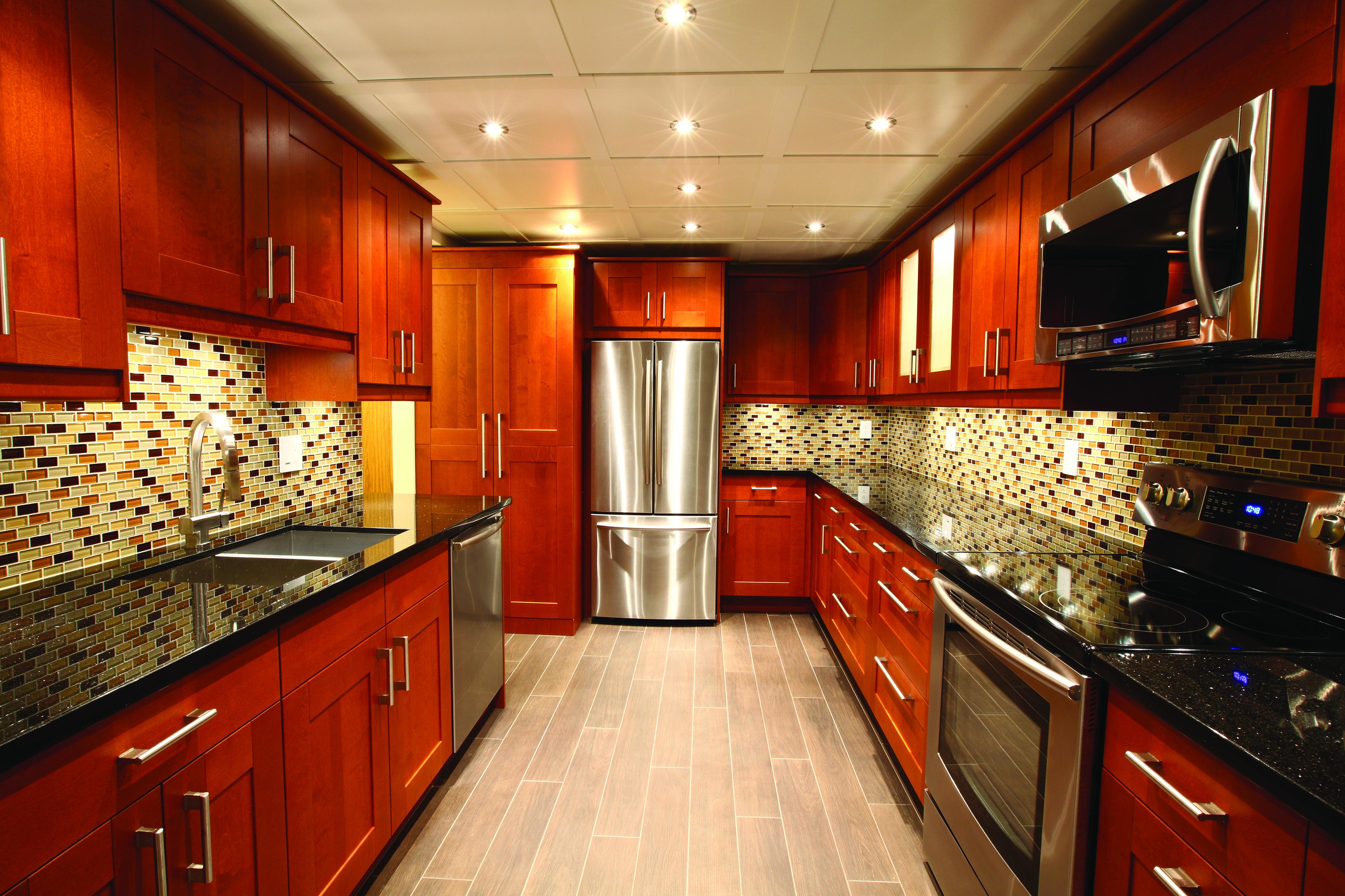 A_kitchen_lit_with_warm_white_3000K_light.jpg