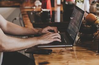 computer-hands-laptop-2115217