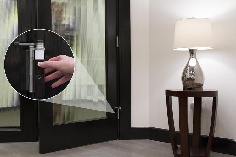 By simply opening or closing the door the sensor wirelessly triggers scenes throughout your home