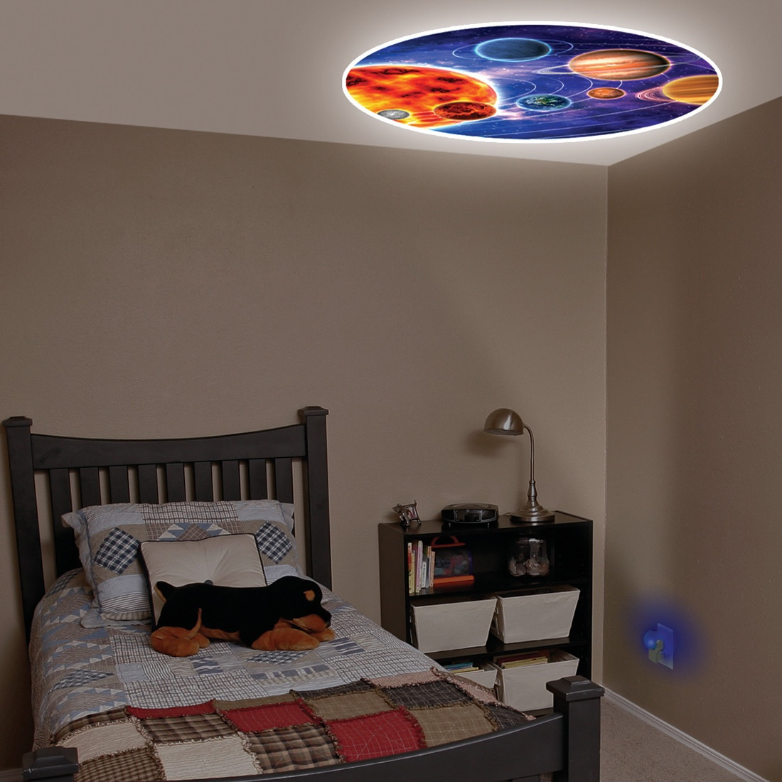 Projectable Night Light casts solar system image on the ceiling