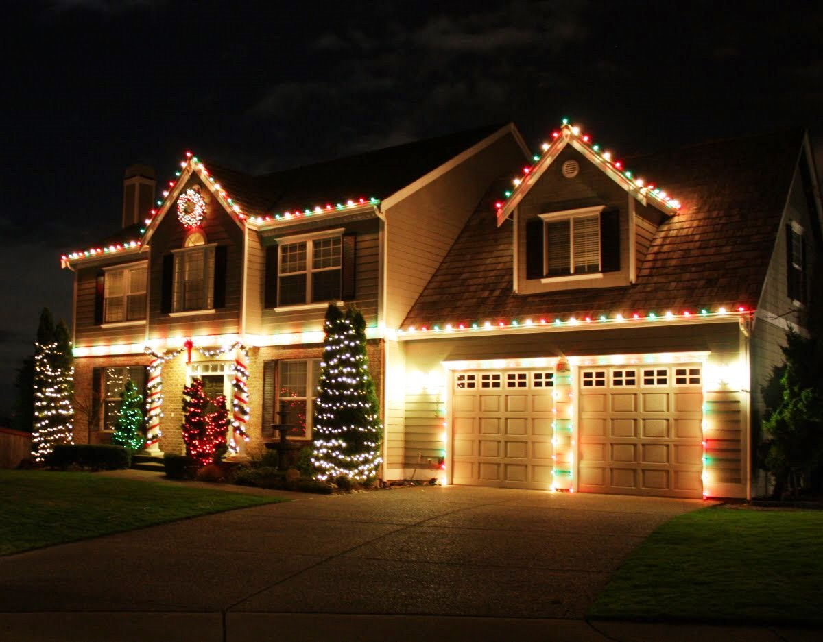 Before you deck the halls, follow these holiday lighting tips.